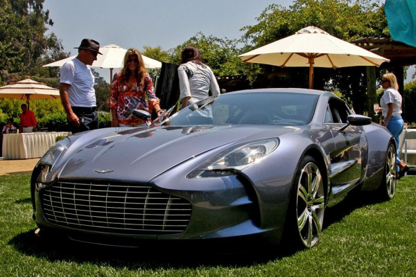 01-aston-one-77-live-monterey