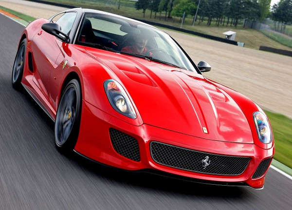 ferrari-599_gto_2011_1280x960_wallpaper_01