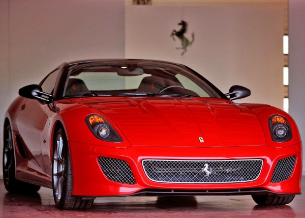 ferrari-599_gto_2011_1280x960_wallpaper_24