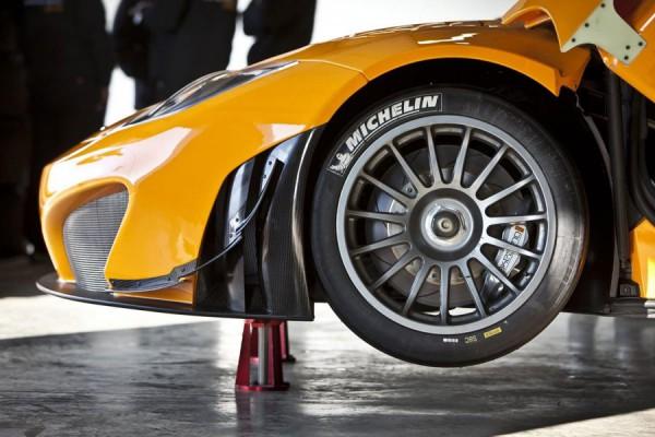 mclaren-mp4-12c-gt3-wheel