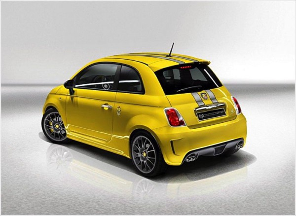 abarth-695-tributo-ferrari-rear-angle-800x584