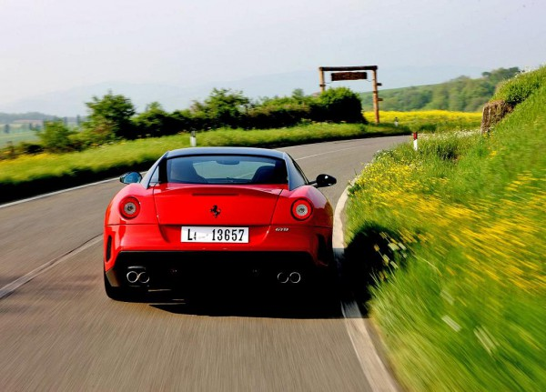 ferrari-599_gto_2011_1280x960_wallpaper_45