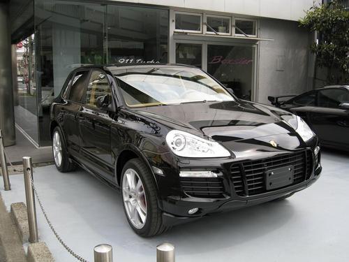 NEW PORSCHE Cayenne GTS