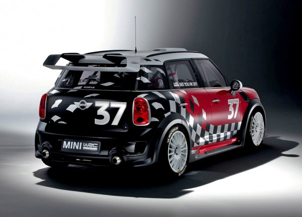 mini-wrc_2011_1024x768_wallpaper_04
